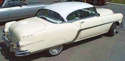 Click image for larger version  Name:1954_Pontiac_Cream_2dr_Starchief_Custom_Catalina.jpg Views:49 Size:13.9 KB ID:112282