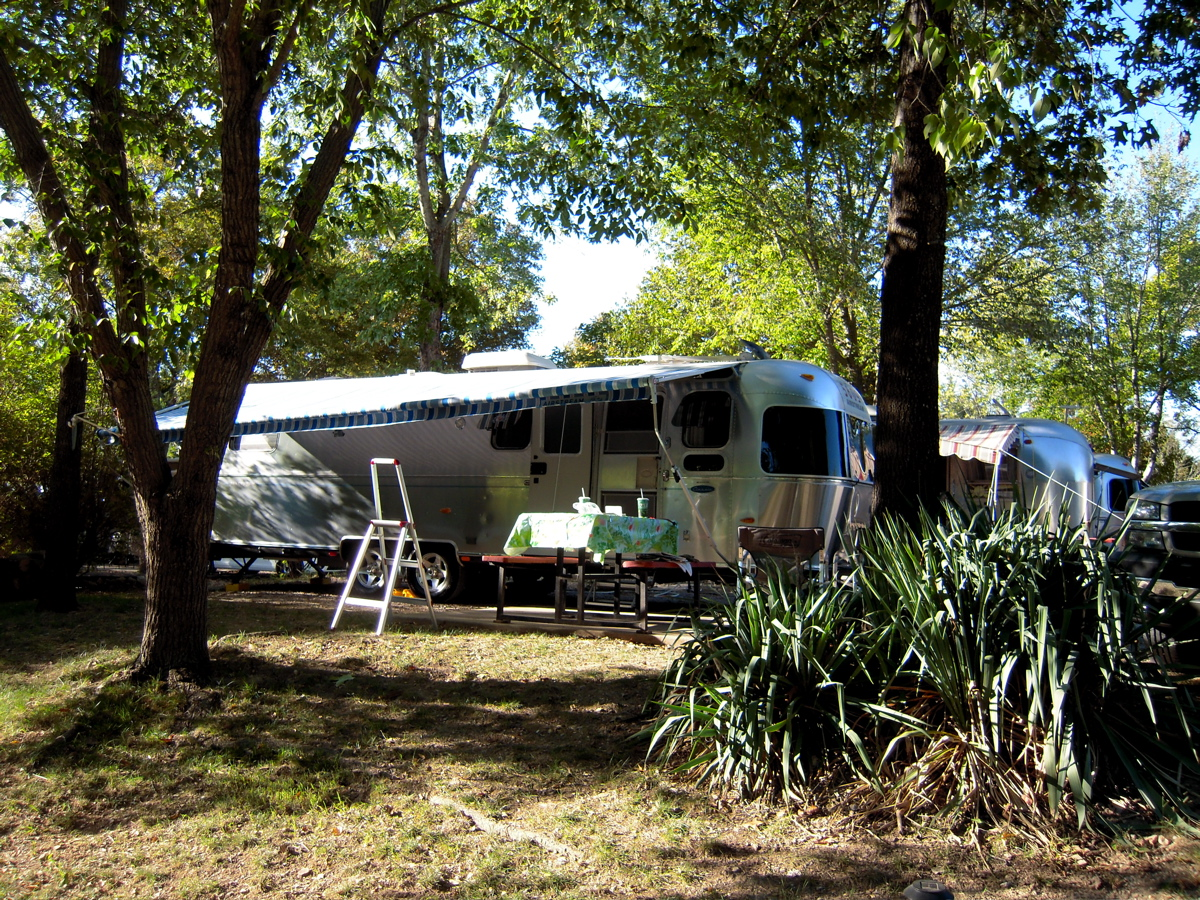 Click image for larger version  Name:Airstream Fall Rally 2010 - 011.jpg Views:172 Size:1,007.8 KB ID:112352