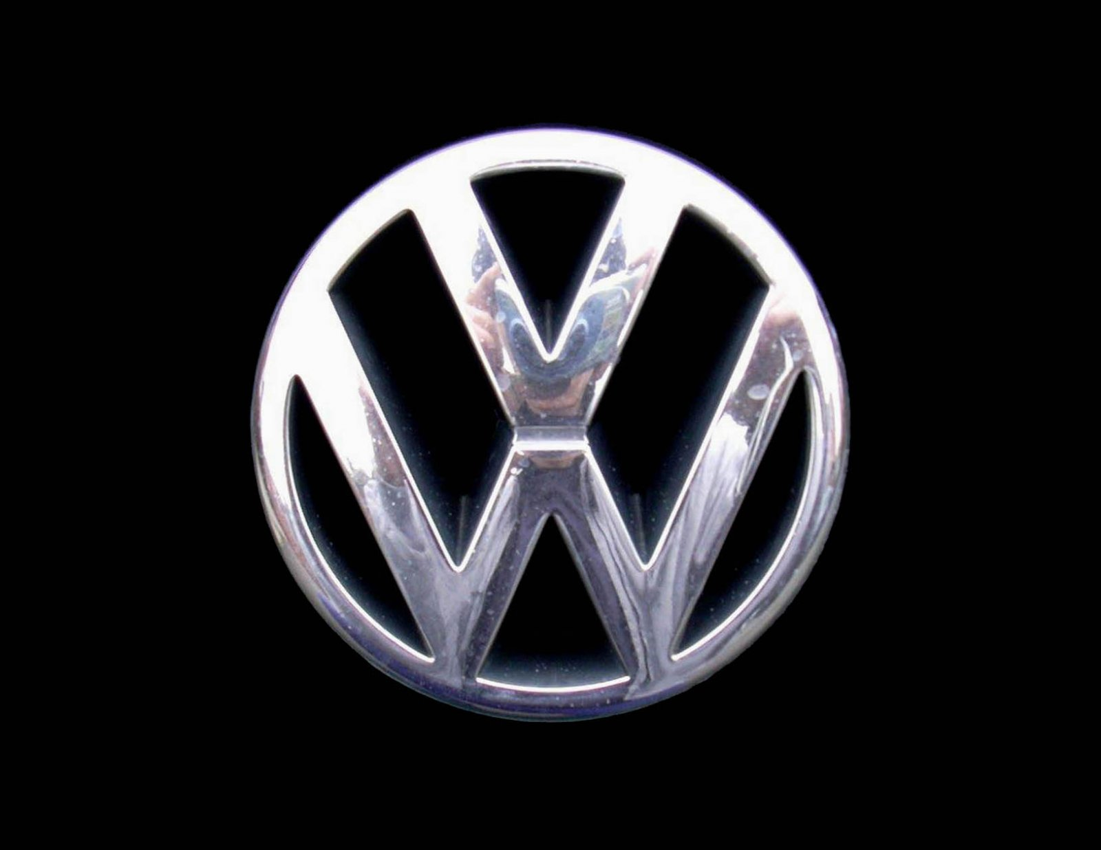 Click image for larger version  Name:vw-badge.jpg Views:87 Size:107.5 KB ID:112950