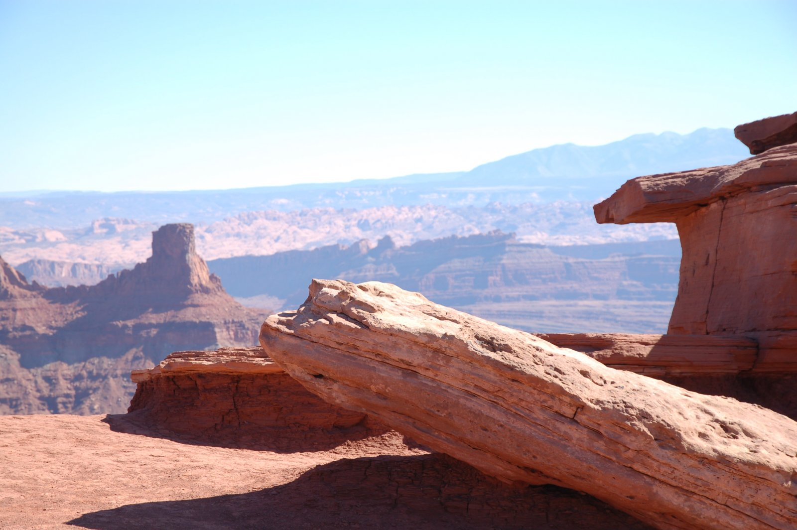 Click image for larger version  Name:canyon red rocks.jpg Views:82 Size:212.8 KB ID:113279