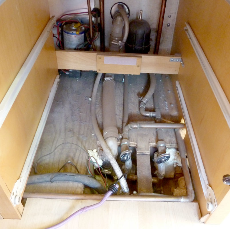 Click image for larger version  Name:P1020440 copper under sink-s.jpg Views:211 Size:152.0 KB ID:114846