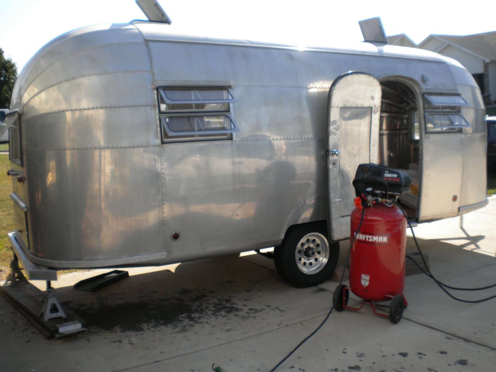 Click image for larger version  Name:Airstream 007.jpg Views:81 Size:188.8 KB ID:114919