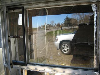 Click image for larger version  Name:Front Window Cracked.JPG Views:67 Size:75.1 KB ID:114938