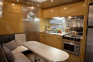 Click image for larger version  Name:airstreamgarageunit1.jpg Views:162 Size:39.1 KB ID:115926