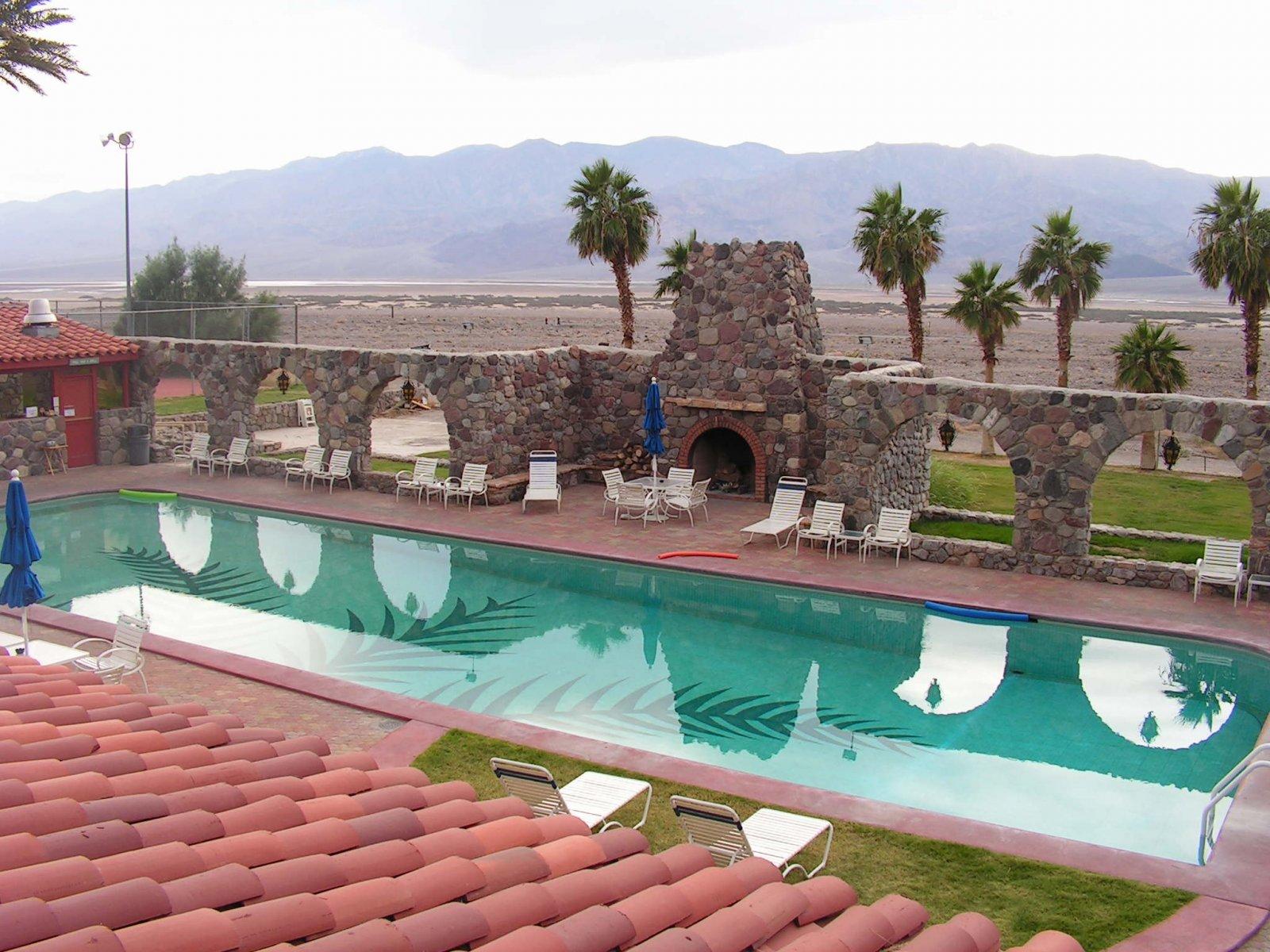 Click image for larger version  Name:Pool at Furnace Creek Inn.jpg Views:55 Size:318.7 KB ID:115966