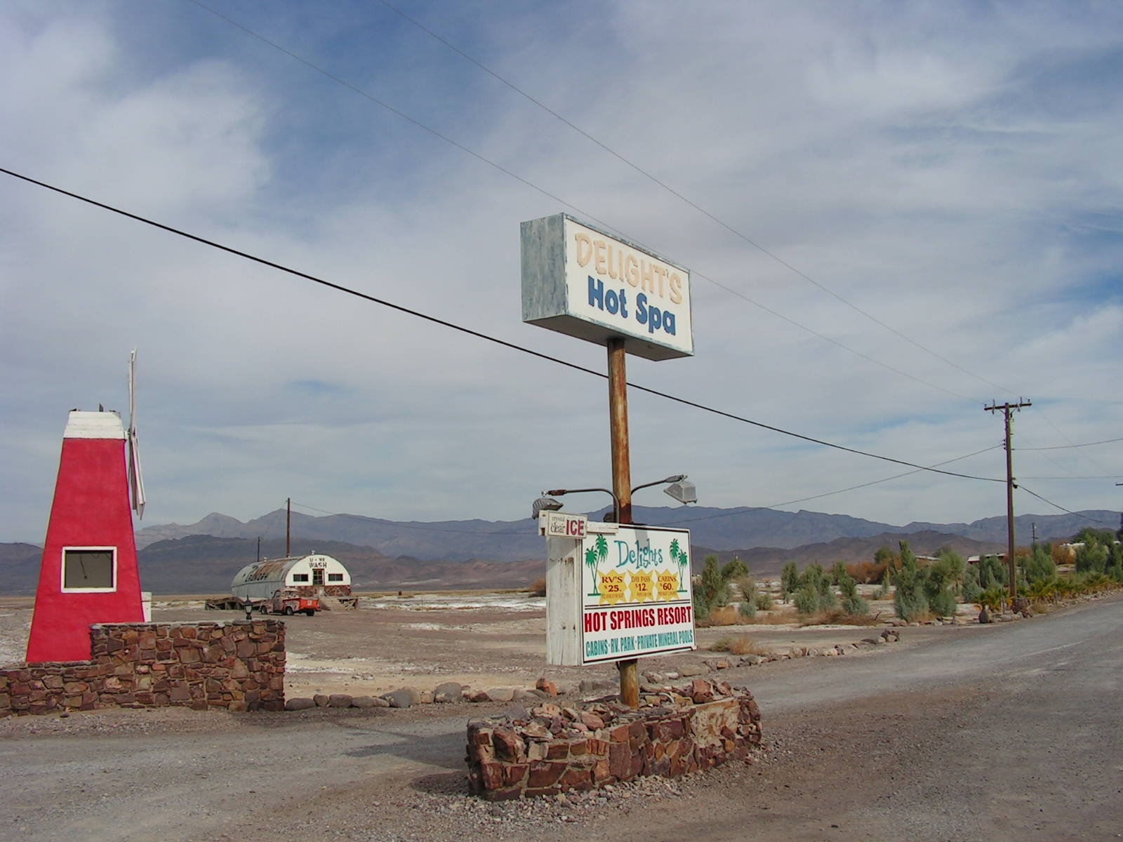 Click image for larger version  Name:Tocopah & China Ranch Date Farm 035.jpg Views:48 Size:230.2 KB ID:115968