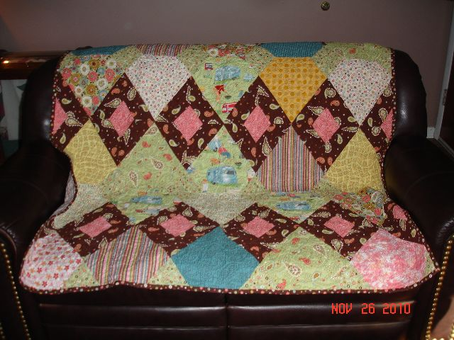 Click image for larger version  Name:airstream quilt 2.jpg Views:56 Size:92.3 KB ID:117043