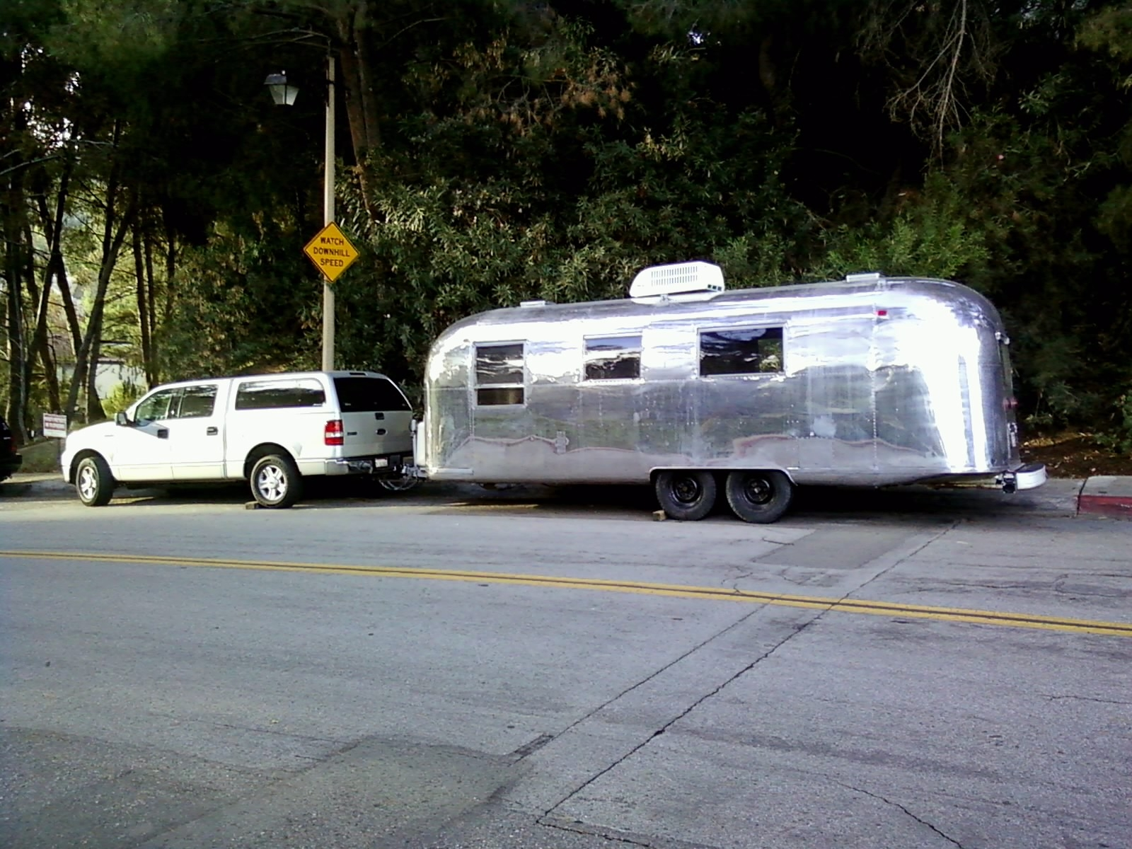Click image for larger version  Name:trailer and truck.JPG Views:73 Size:886.3 KB ID:117334