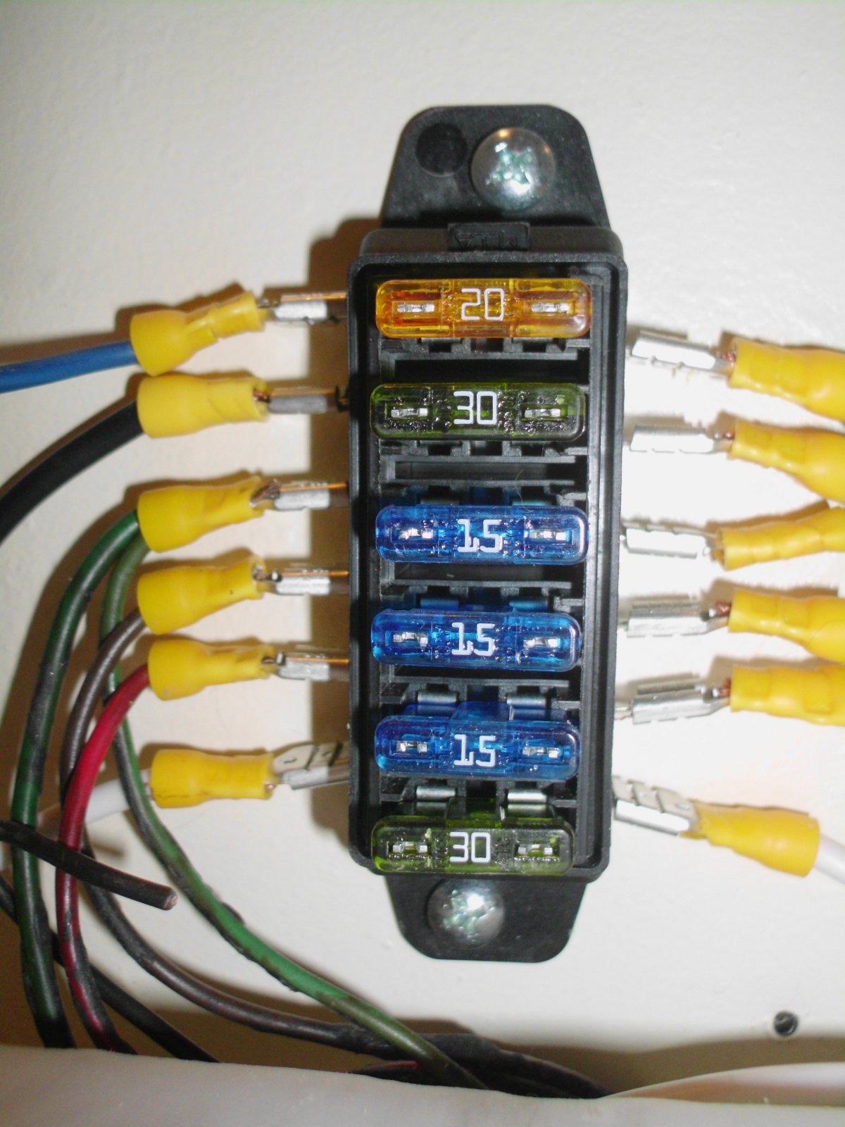 Click image for larger version  Name:ucord fusebox.jpg Views:73 Size:230.3 KB ID:117384