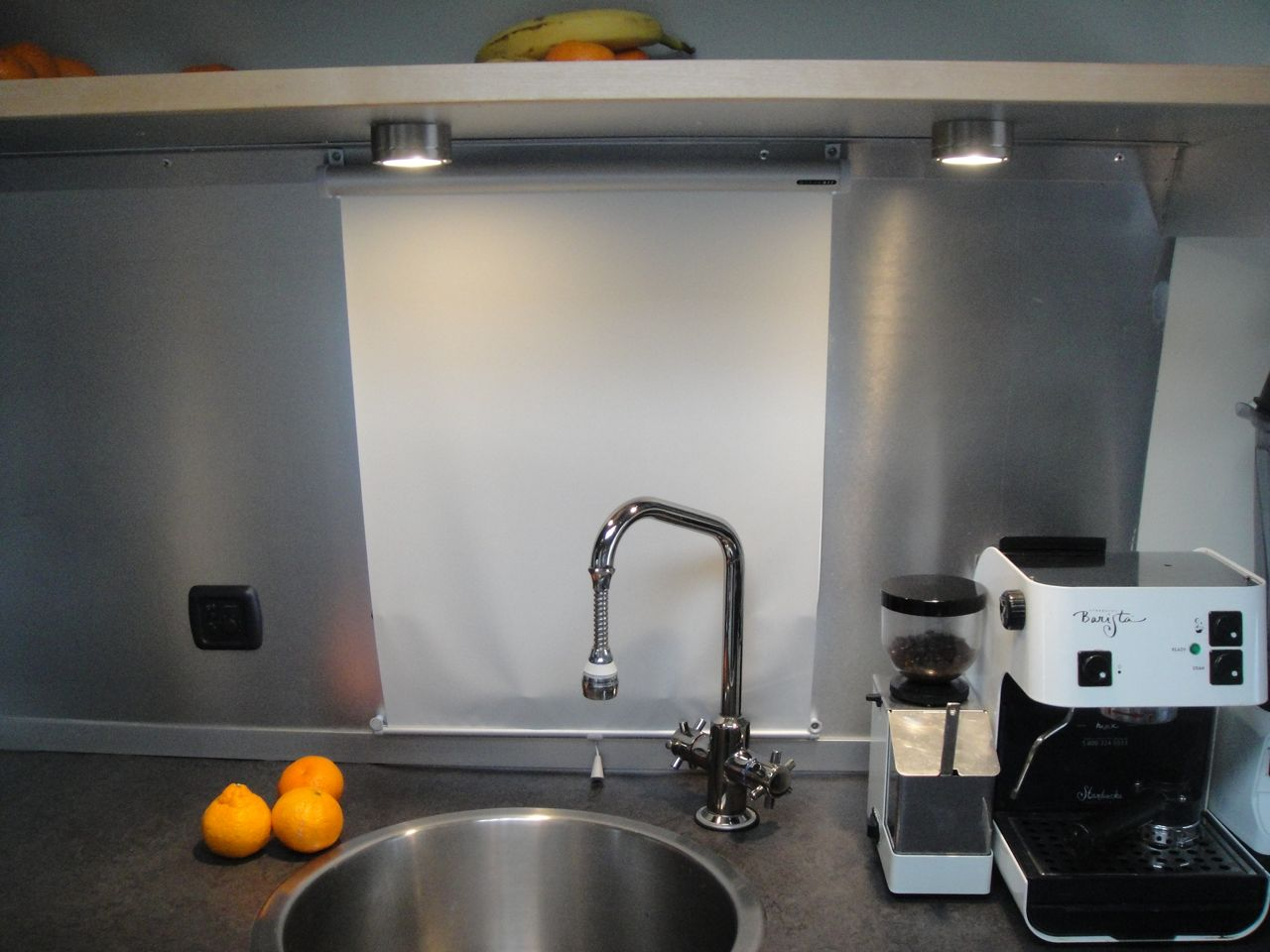 Click image for larger version  Name:kitchen down.jpg Views:286 Size:125.2 KB ID:117596