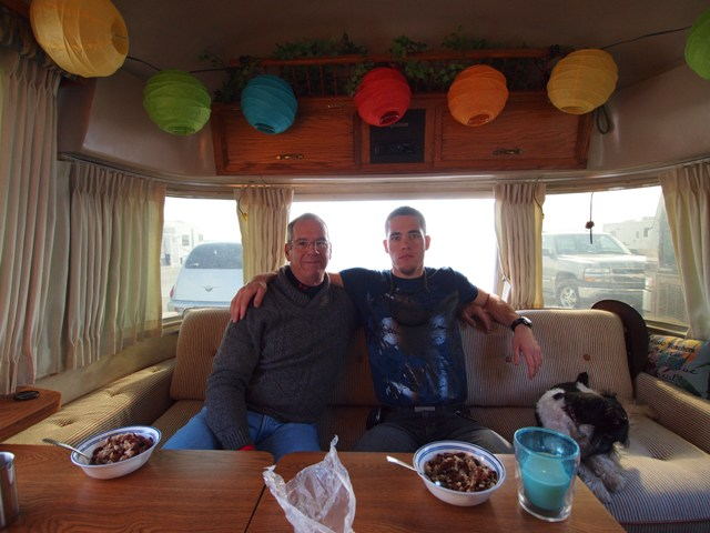 Click image for larger version  Name:Camping on the Gulf Dec 2010 032.jpg Views:154 Size:88.7 KB ID:118111