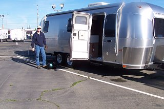 Click image for larger version  Name:Don's airstream 001.jpg Views:153 Size:246.0 KB ID:118369
