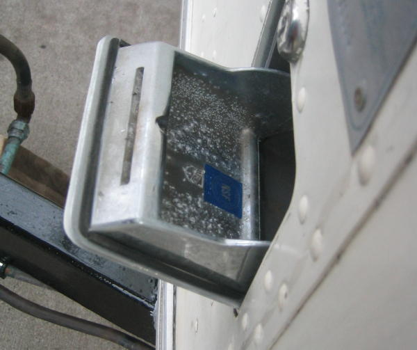 Click image for larger version  Name:Water Filler Cover.jpg Views:104 Size:40.0 KB ID:11886