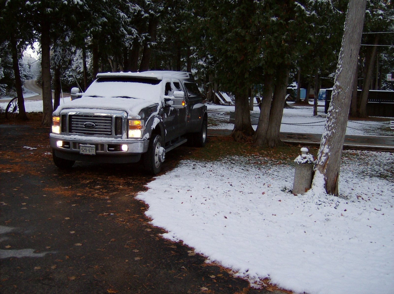Click image for larger version  Name:October 22 2010 First Snow 002.jpg Views:126 Size:378.1 KB ID:119502