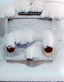 Click image for larger version  Name:snowy mothership.jpg Views:156 Size:302.5 KB ID:119708