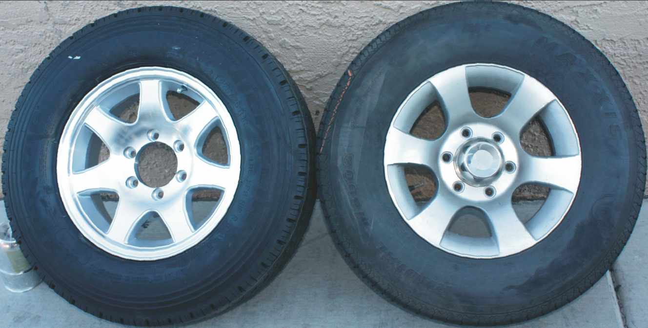 Click image for larger version  Name:Tires_side-by-side.jpg Views:273 Size:66.1 KB ID:120355