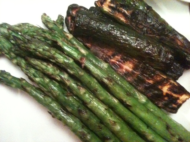 Click image for larger version  Name:Asparagus and Zucchini 012811.JPG Views:51 Size:145.1 KB ID:120449