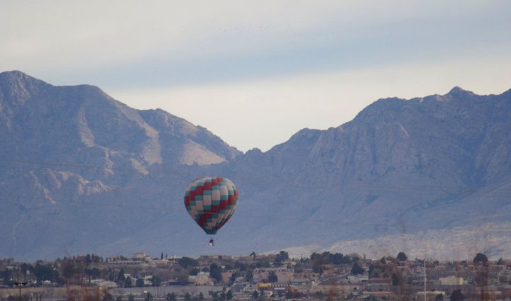 Click image for larger version  Name:Las Cruces Balloon 1.jpg Views:60 Size:40.3 KB ID:121072
