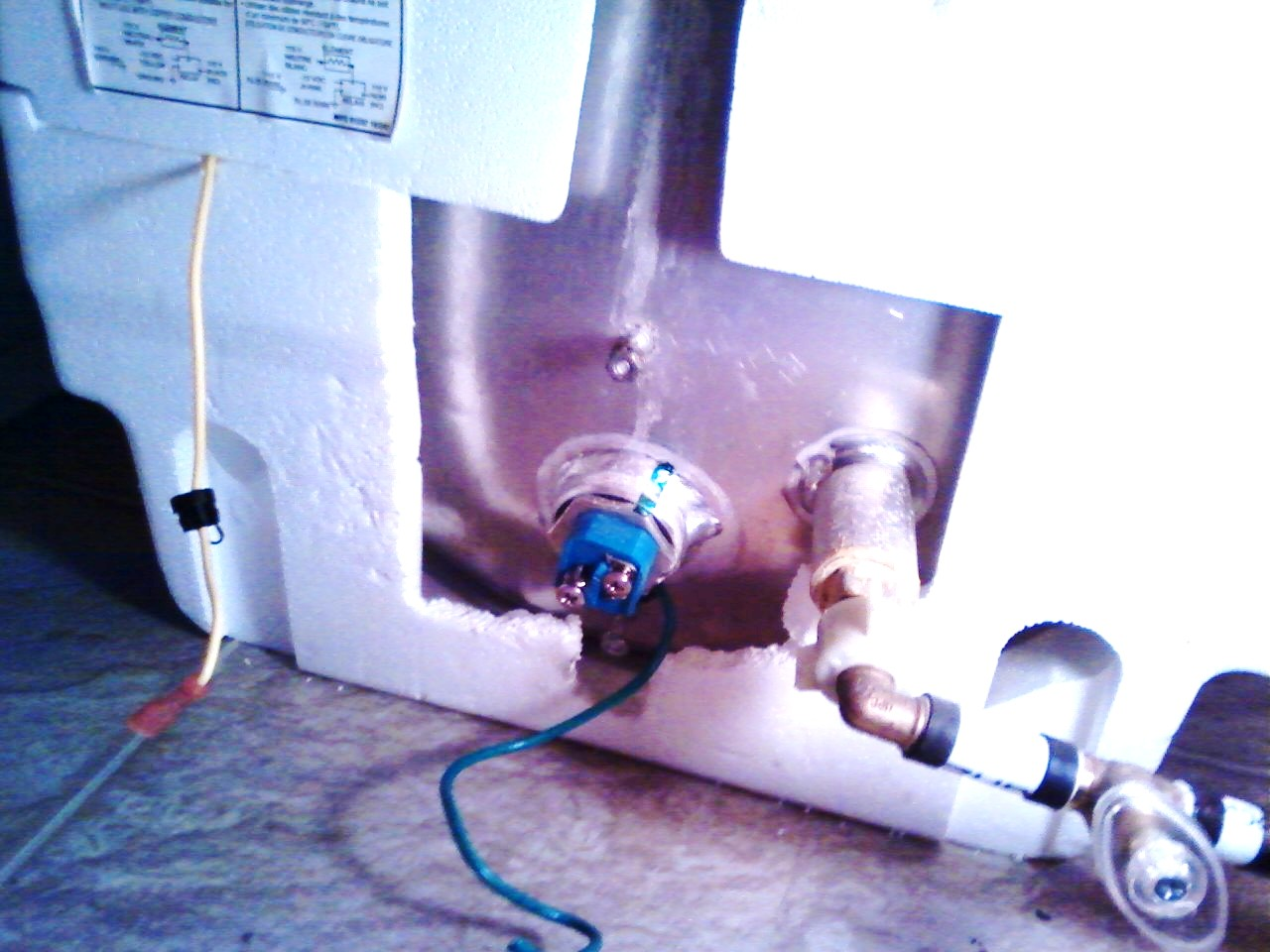 Click image for larger version  Name:back of heater.jpg Views:130 Size:182.2 KB ID:121416
