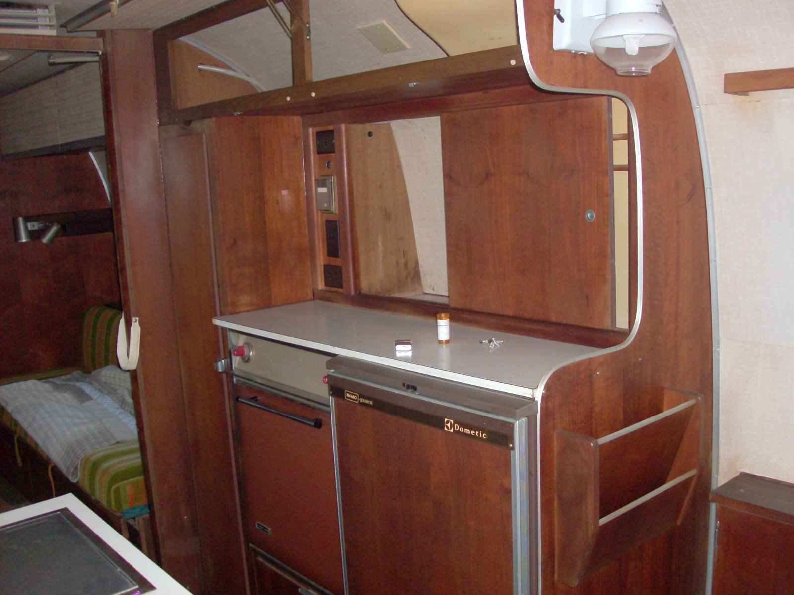 Click image for larger version  Name:airstream 024.jpg Views:69 Size:242.1 KB ID:121476