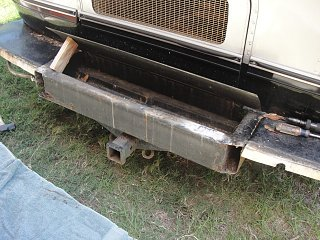 Click image for larger version  Name:bumper removed 1.JPG Views:150 Size:144.3 KB ID:121751