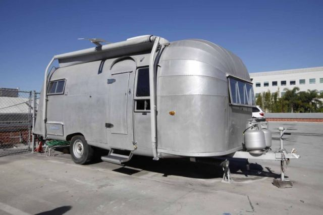 Click image for larger version  Name:awning view for Airstream 8010 15.jpg Views:152 Size:40.4 KB ID:121924