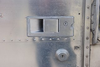Click image for larger version  Name:airstream lock.jpg Views:2410 Size:233.3 KB ID:122439