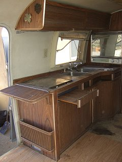 Click image for larger version  Name:airstream-032.jpg Views:173 Size:215.0 KB ID:122753