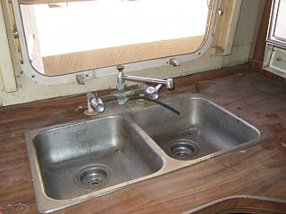 Click image for larger version  Name:airstream-037.jpg Views:121 Size:124.0 KB ID:122758