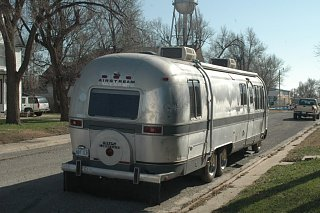 Click image for larger version  Name:Airstreamandcats030.jpg Views:105 Size:180.6 KB ID:123250