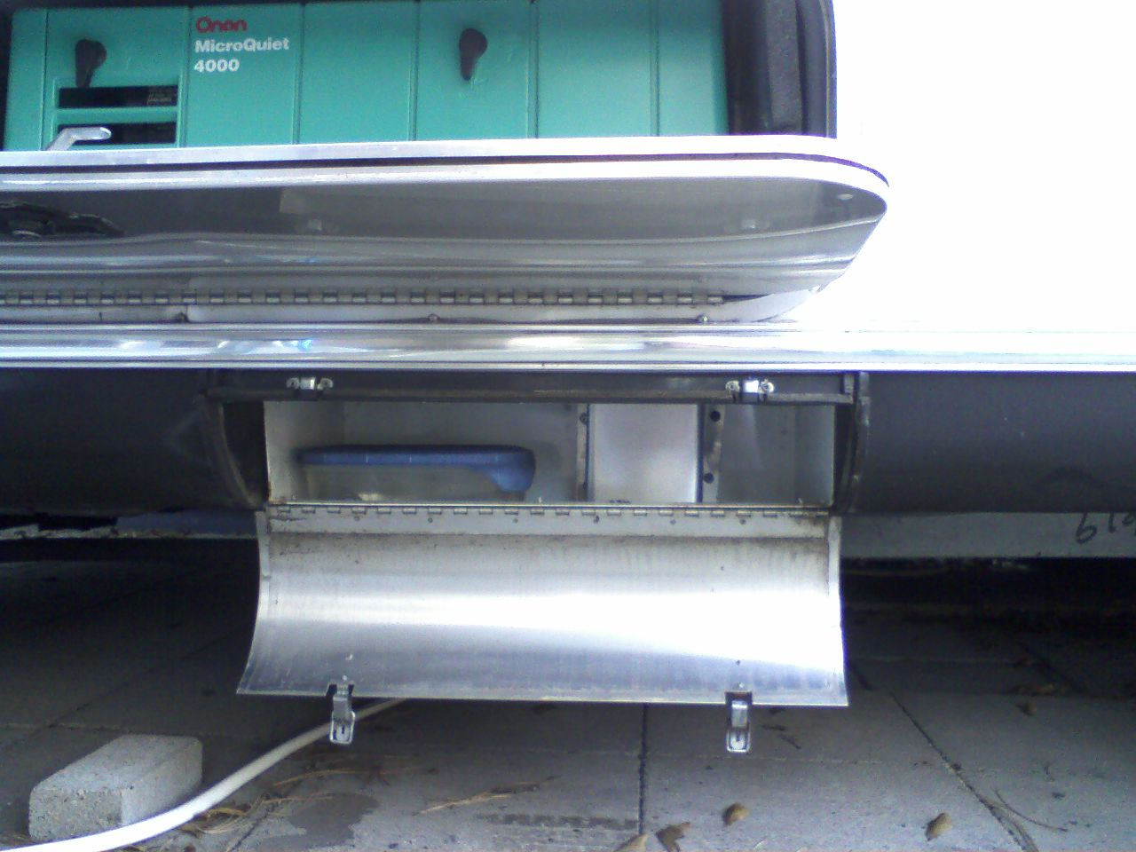 Click image for larger version  Name:Cooling Air Exhaust Shute1 and Service1.jpg Views:122 Size:141.7 KB ID:123469