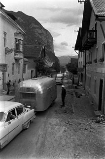 Click image for larger version  Name:Airstreams in Europe 4.jpg Views:137 Size:35.2 KB ID:124066