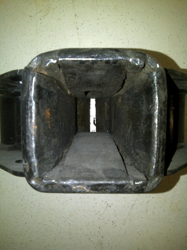 Click image for larger version  Name:Arrow Hitch Box.jpg Views:106 Size:68.2 KB ID:124237