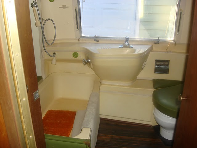 Click image for larger version  Name:bathroom1.JPG Views:111 Size:46.3 KB ID:125373