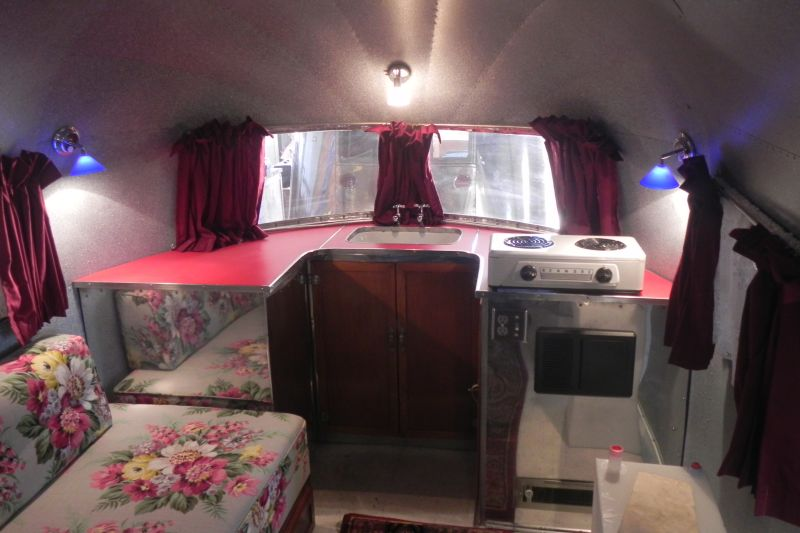 Click image for larger version  Name:Curtis interior.jpg Views:56 Size:113.5 KB ID:125388
