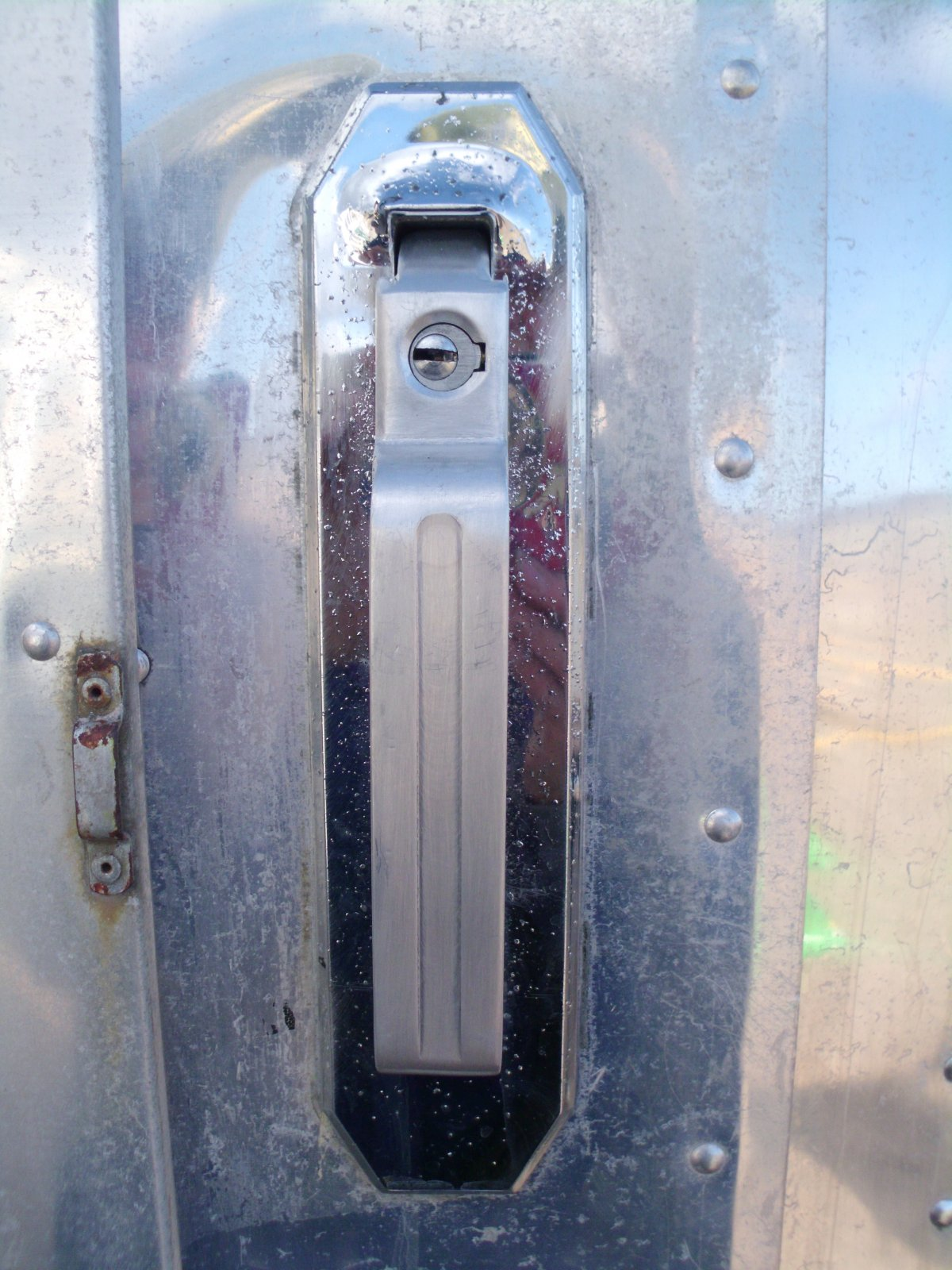 Click image for larger version  Name:airstream 002.jpg Views:104 Size:289.8 KB ID:125572