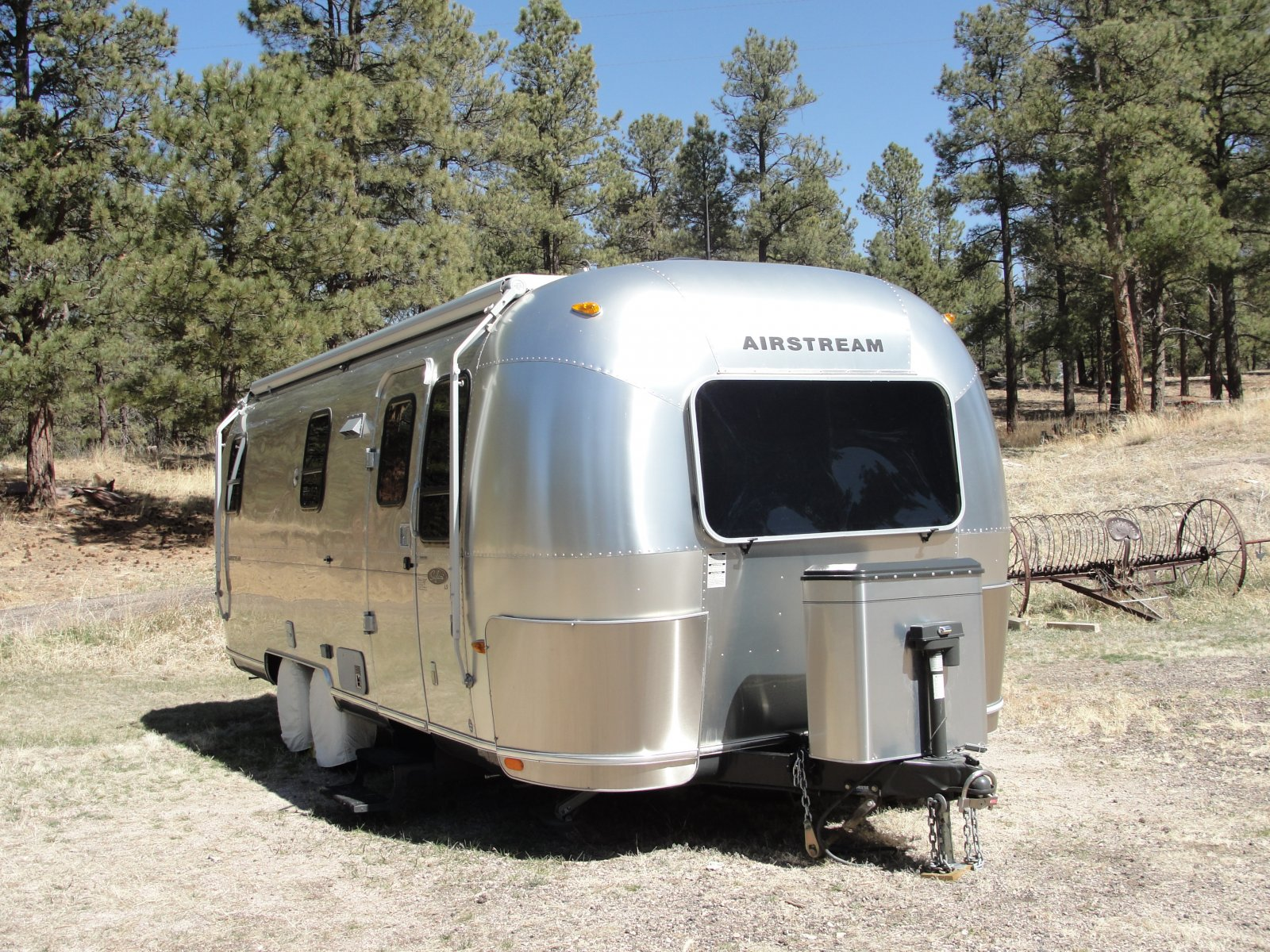 Click image for larger version  Name:Xena Lock & Airstream.jpg Views:154 Size:518.6 KB ID:126720
