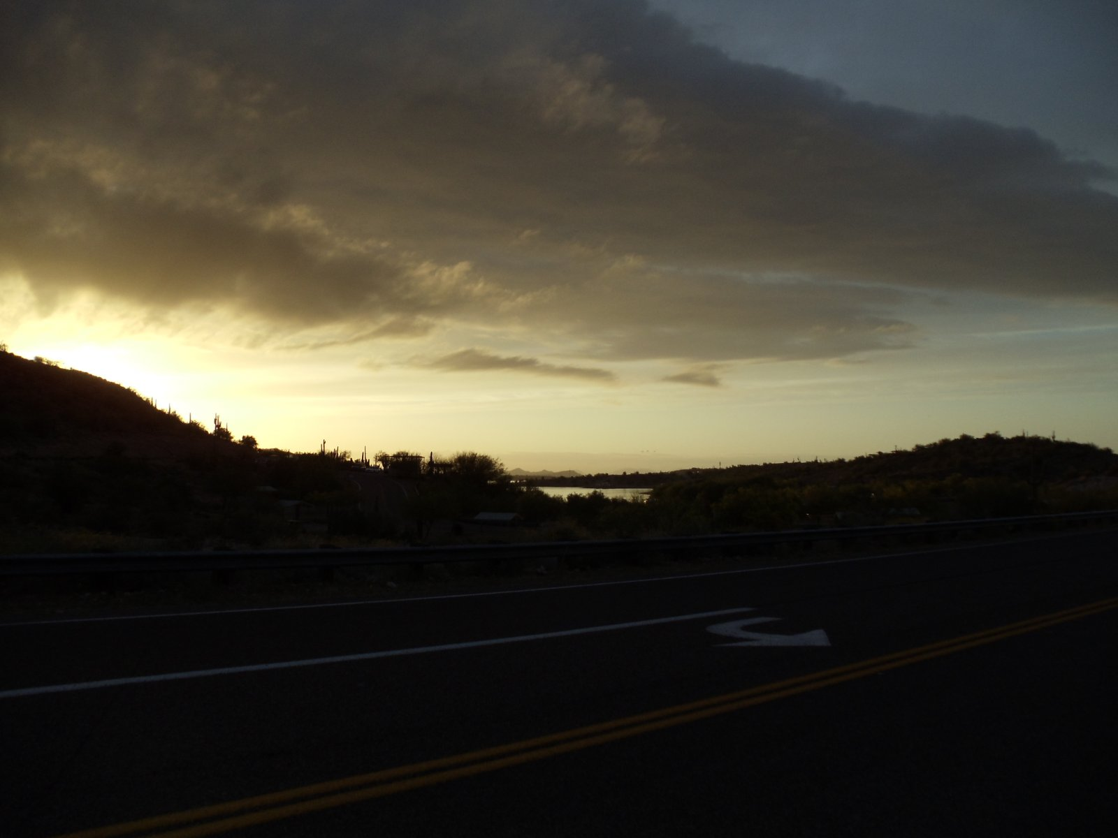 Click image for larger version  Name:Lake Pleasant 4-11 025.jpg Views:67 Size:118.6 KB ID:126847