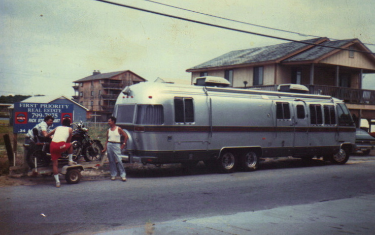 Click image for larger version  Name:Jimmy, Vincent, & Harvey The Airstream & Jimmy's '82 FXRS 7:88 .jpg Views:135 Size:142.8 KB ID:127582