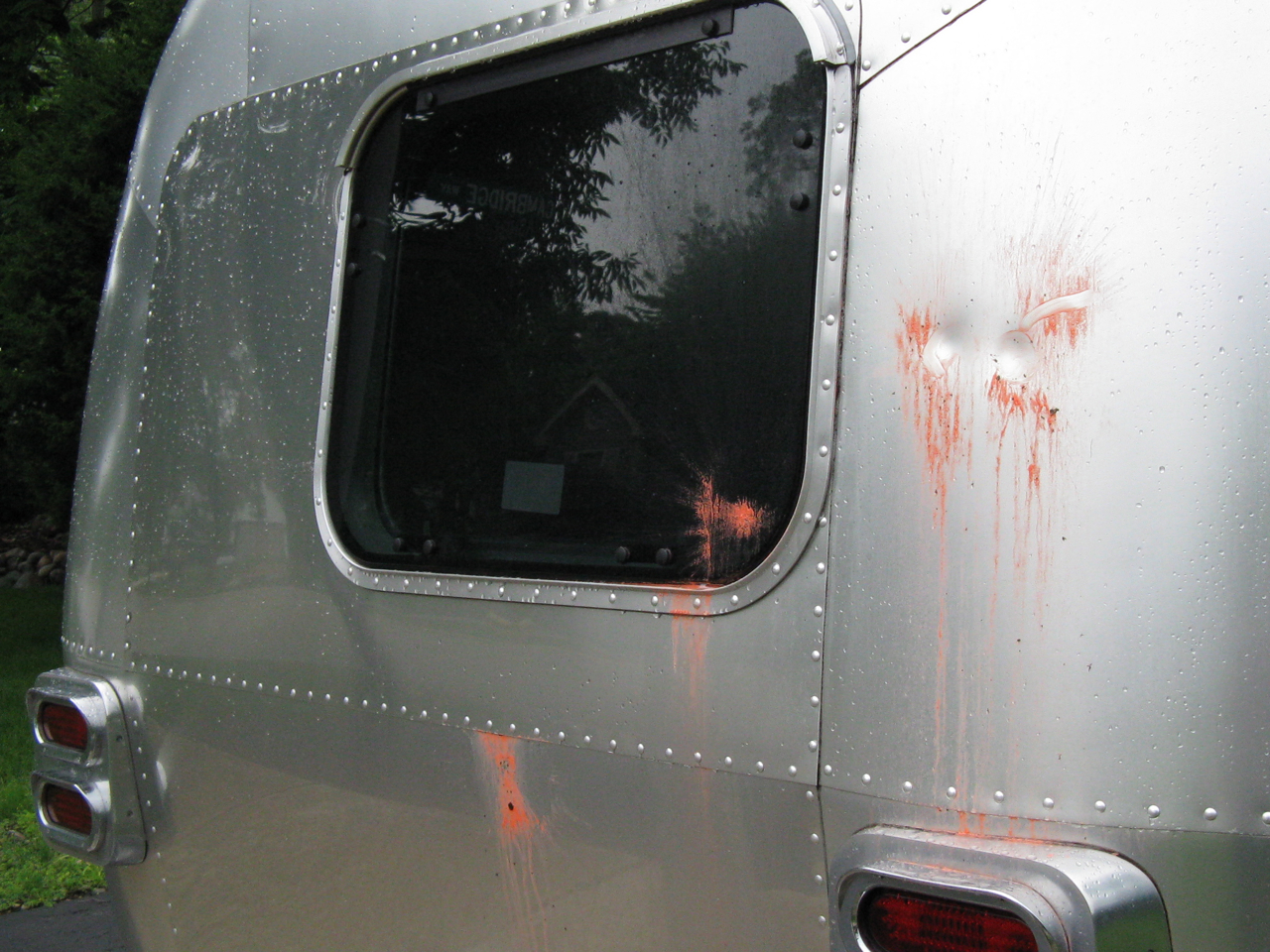 Click image for larger version  Name:airstream damage 2.jpg Views:122 Size:1.30 MB ID:128183