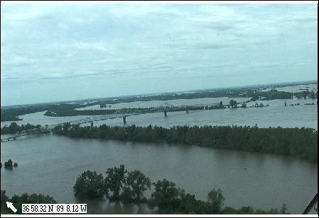 Click image for larger version  Name:Bridge01.jpg Views:109 Size:21.2 KB ID:128737