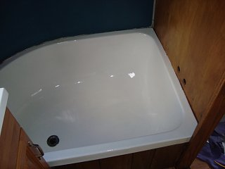 Click image for larger version  Name:tub painted.JPG Views:124 Size:114.1 KB ID:129204