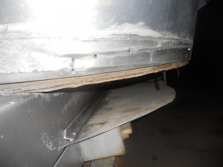 Click image for larger version  Name:77 airstream rear end 004.jpg Views:162 Size:244.5 KB ID:129610