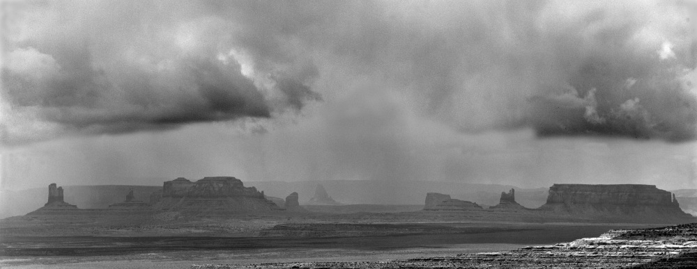 Click image for larger version  Name:P-Monument Valley Storm-1.jpg Views:69 Size:107.7 KB ID:129775