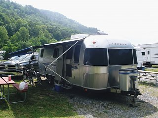 Click image for larger version  Name:our airstream.jpg Views:273 Size:309.1 KB ID:130248