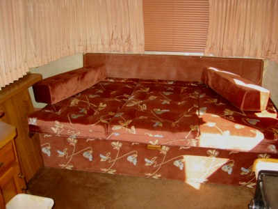Click image for larger version  Name:Couch_before.jpg Views:274 Size:44.1 KB ID:130533