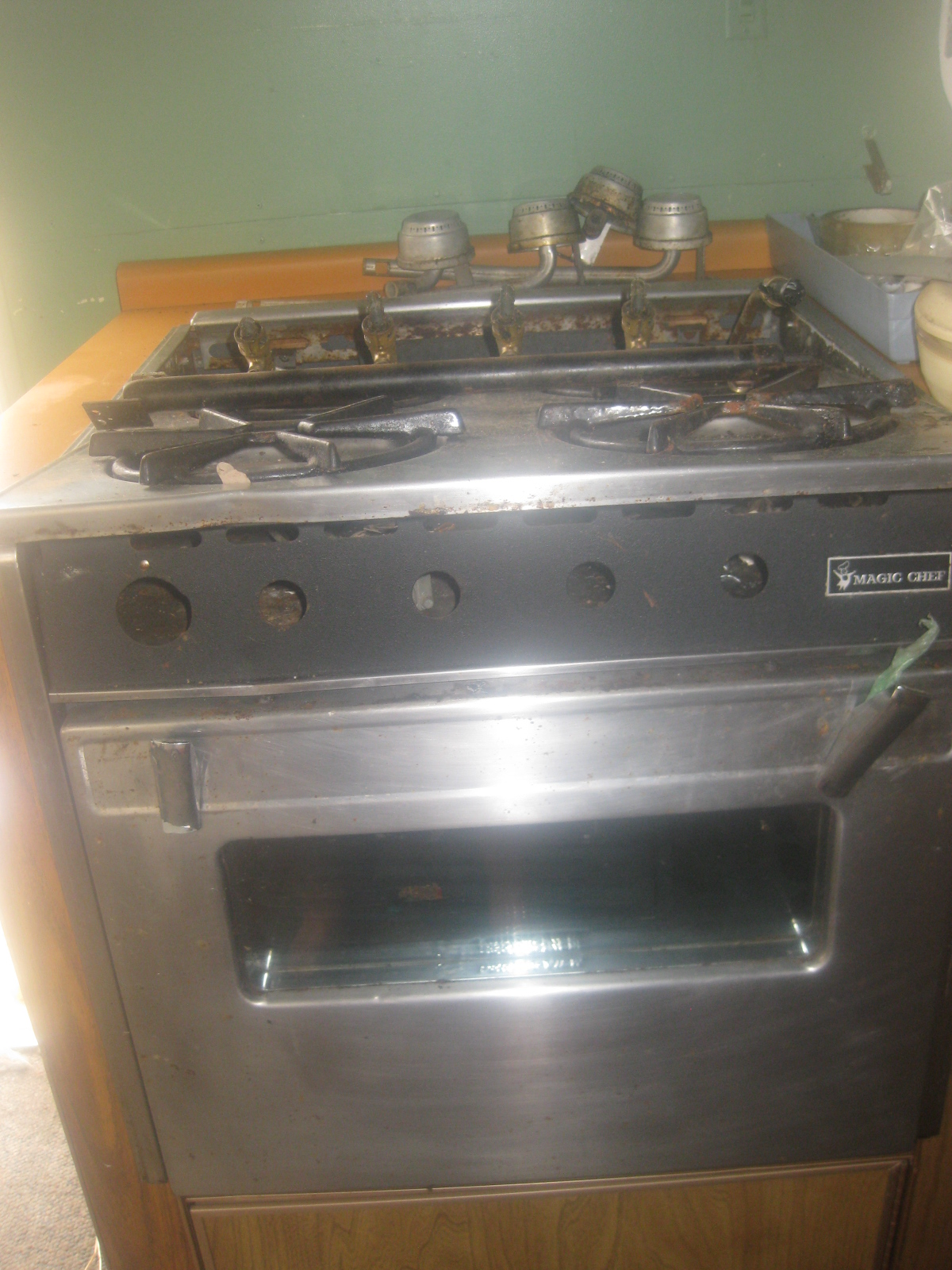 Click image for larger version  Name:Magic Chef 4 Burner Oven.JPG Views:513 Size:786.4 KB ID:131760