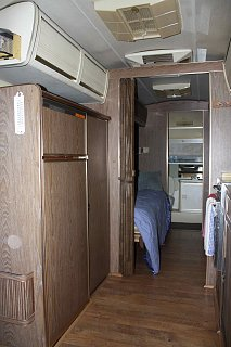Click image for larger version  Name:interior4.jpg Views:158 Size:275.0 KB ID:132241