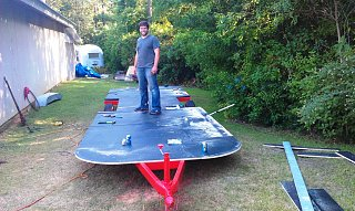 Click image for larger version  Name:AC6 - World largest surfboard.jpg Views:151 Size:278.3 KB ID:132763