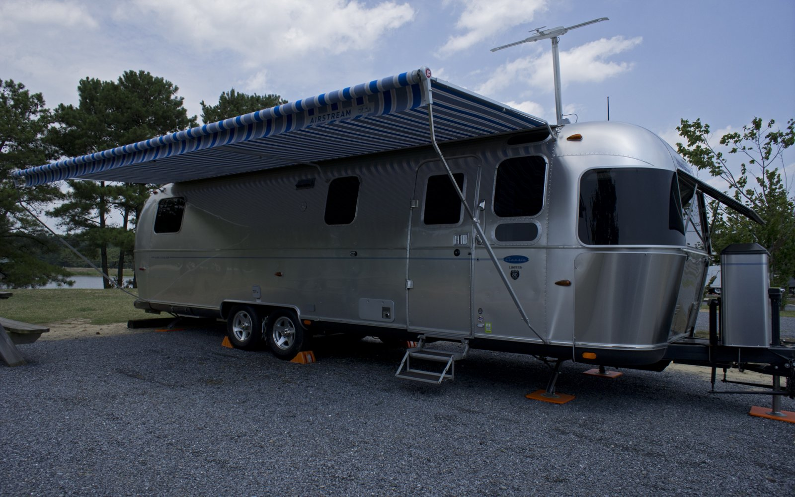 Click image for larger version  Name:11AirstreamClass301stTrip-7.jpg Views:104 Size:284.5 KB ID:132851